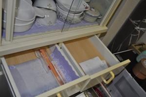食器棚の引出し